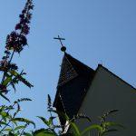 Evangelische Erlöserkirche Saal an der Saale - Blick auf die Kirchturmspitze mit Kreuz