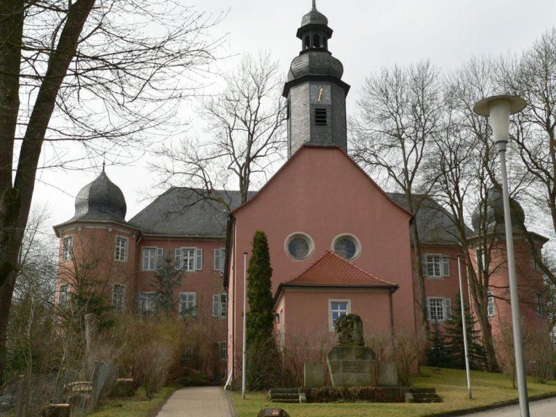 Geschichte der Sankt Georgskirche Waltershausen - Fotografie der Kirche von vorne
