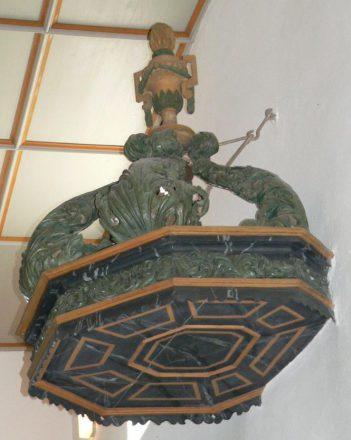 Waltershausen Saal an der Saale - barocker Schaltdeckel über der Kanzel